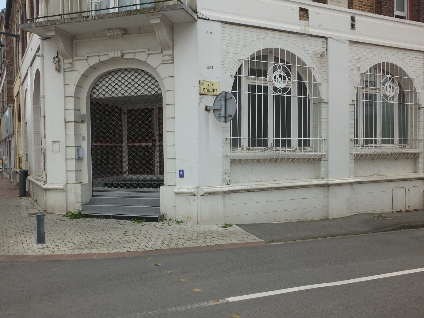 local commercial 65m²